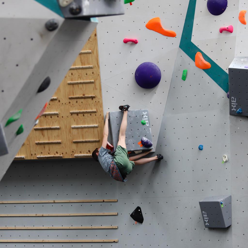 bouldering-gym-in-melbourne's-west-altona-climb-west